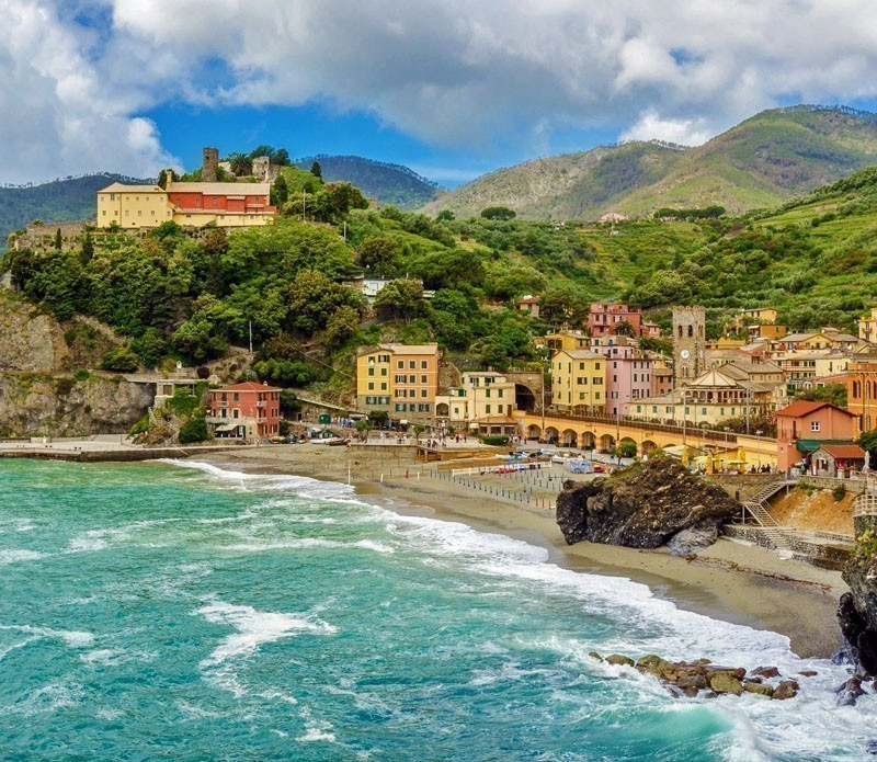 Colorful view at Monterosso Al Mare, Cinque Terre | A visit to the 5 Towns of the Cinque Terre - Discover Italy