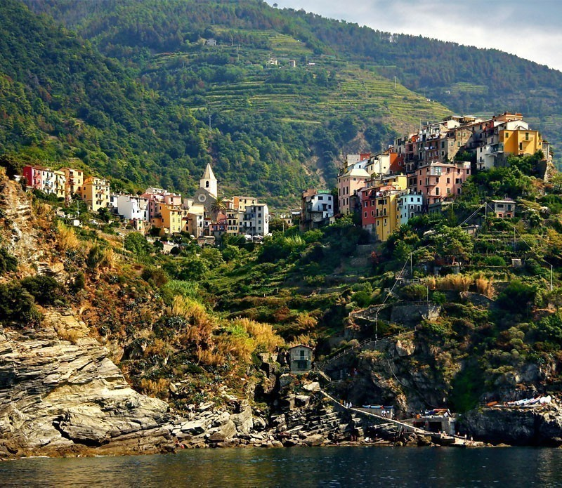 Amazing View of Corniglia, village of Cinque Terre | A visit to the 5 Towns of the Cinque Terre - Discover Italy