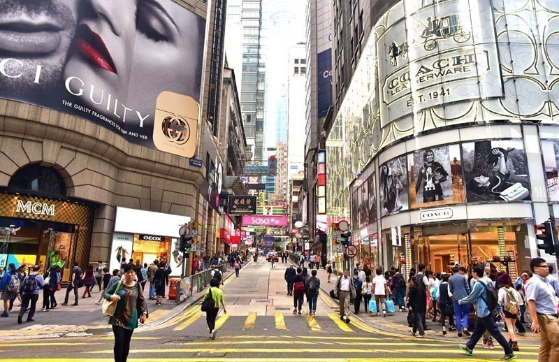 Go Shopping In Hong Kong | 10 Things To Do And See In China On A Budget
