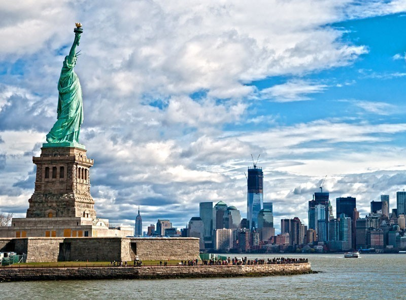 The Statue of Liberty and Manhattan Skyline | TOP 10 Tourist Attractions in New York City