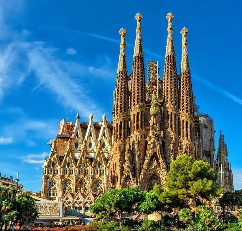 La Sagrada Familia. It is designed by architect Antonio Gaudi and is being build since 1882   |   What to Do in Barcelona in 3 Days