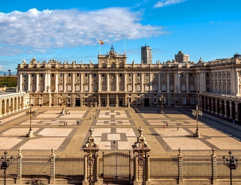 Visit the Royal Palace    |    What to do in Madrid in 3 Days
