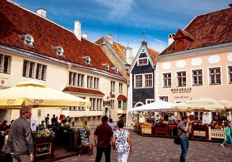 Raeapteek, or the Town Hall Pharmacy in Tallin, Estonia, the place where the famous Estonian marzipan was once invented, as an effective means for headache | What to Do in Tallinn in 3 Days
