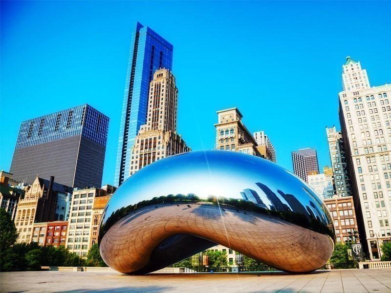 Amazing cloud Gate sculpture in Millenium park, Chicago | Top 10 Places to Go In Chicago