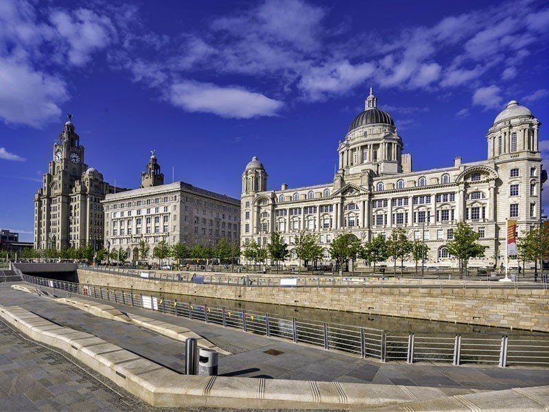 The Three Graces building in Liverpool, particularly appreciated for its sculptures that decorate its edge | What to Do in Liverpool in 3 Days