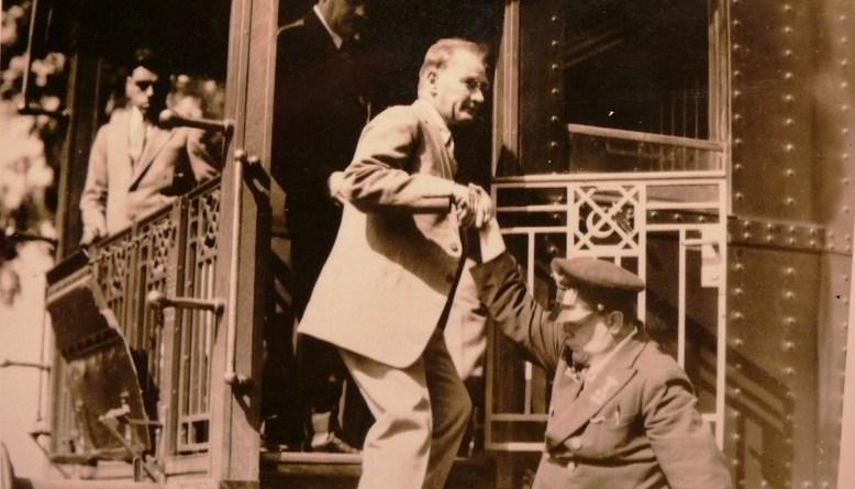 Atatürk Kalbimizdedir, Halit Gavsi Ozansoy, Uyanış