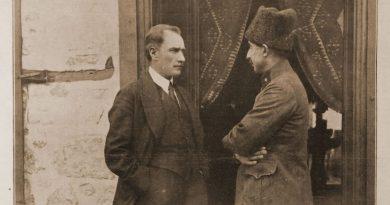 Atatürk, Fransız L'Illustration Dergisi Kapağında. (17 Eylül 1922)