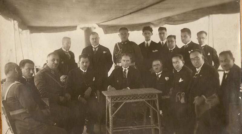 Tevfik Rüştü Aras'ın Atatürk'e Dair Birkaç Hatırası