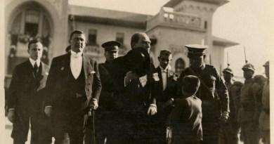 Atatürk'ün 1927 Yılı Cumhuriyet Bayramı'ndan Görüntüleri