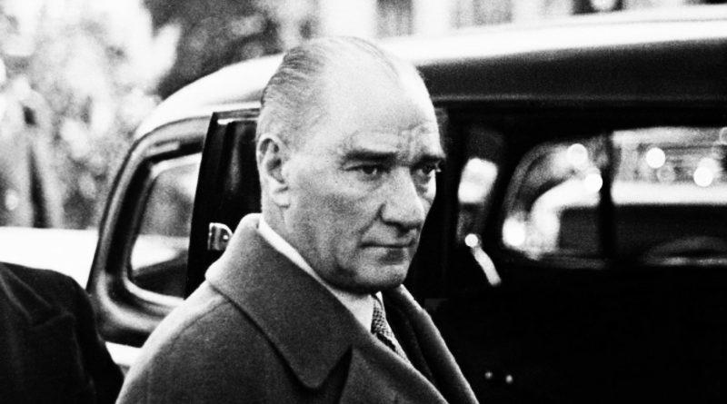 Atatürk'e 'Dinsiz' Diyenlere, Yine Atatürk Hayattayken Cevap Vermişti