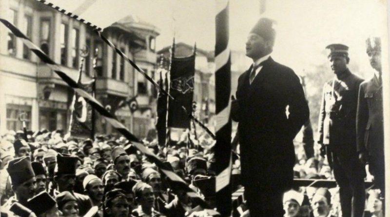 Atatürk'ün Yazarlığı Ve Hatipliği