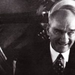 Bir Sevgi Simgesiydi De Sevgili Atatürk