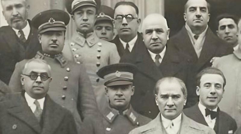 Atatürk'ün Yaveri Cevdet Tolgay