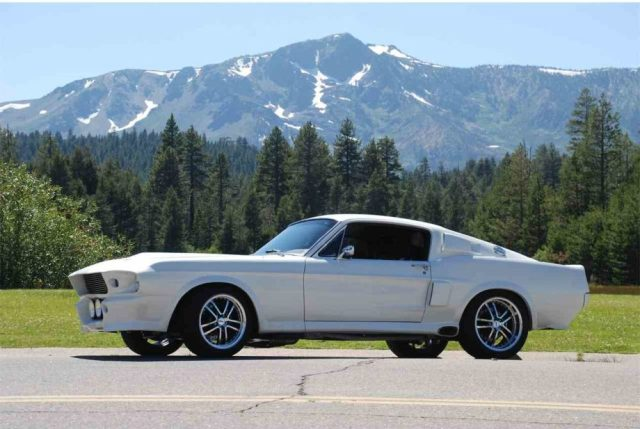 1967 For Mustang Fastback resto-mod