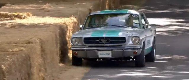 Self-driving Mustang Nearly Crashing