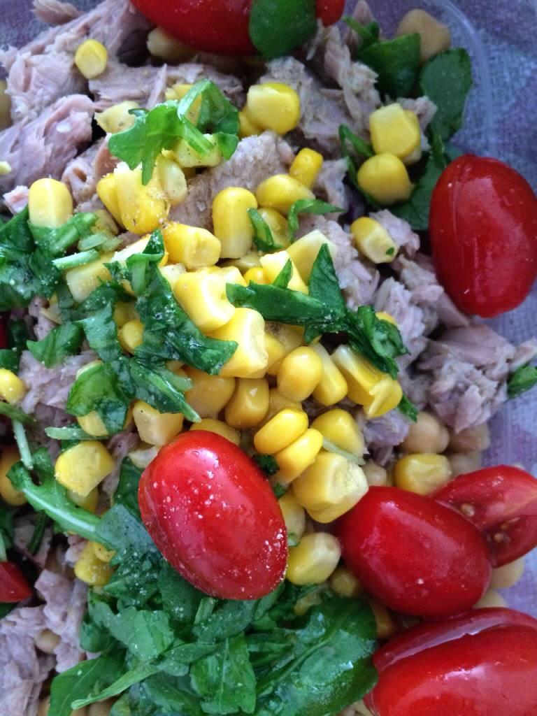 Chickpea Salad with tuna