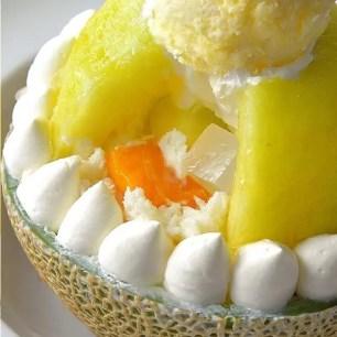 大方使用半顆哈密瓜的水果刨冰♡6月1日起販售♡期間限定「哈密瓜優格刨冰×Häagen-Dazs冰淇淋」