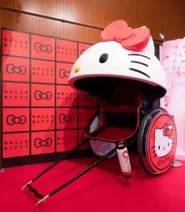 坐上特製Hello Kitty人力車來場淺草觀光巡遊♫期間限定活動6月8日起開放預約✩