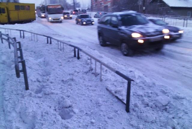 Тротуар на улице Чапаева. Фото: Валерий Поташов