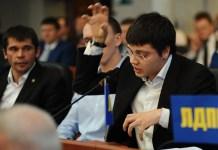 Депутат парламента Карелии от ЛДПР Сергей Пирожников, осужденный когда-то за порнографию, теперь претендует на пост сити-менеджера Петрозаводска. Фото: Губернiя Daily