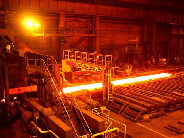 Заводские цеха без людей - привычная картина современного индустриального мира. Фото: Валерий Поташов