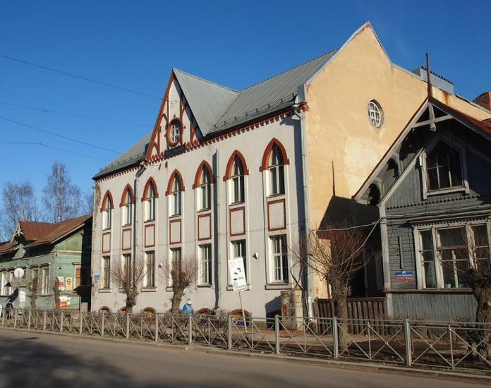 Сортавала привлекает туристов сохранившейся финской архитектурой. Фото: Валерий Поташов