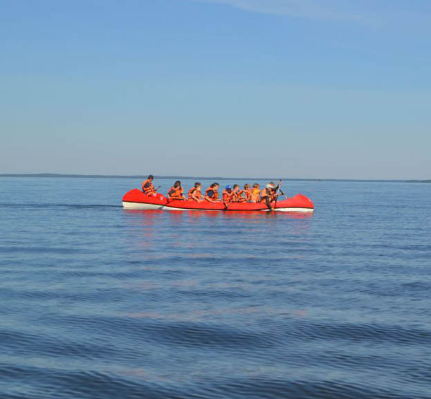 На Сямозере погибли 13 детей, которые вышли на лодках в озеро, несмотря на штормовое предупреждение. Фото: karelia-open.ru