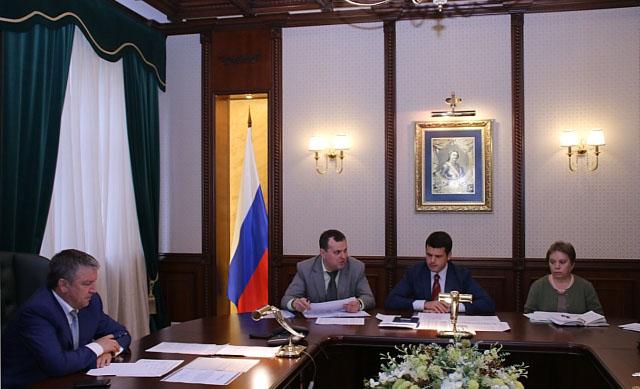 На совещании. Фото: gov.karelia.ru