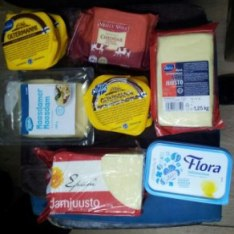 Уничтоженная сырная продукция из Европы. Фото: региональное управление Россельхознадзора