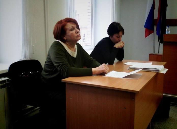 Жительница Суны Татьяна Ромахина и представитель ответчика Ольга Лобаго. Фото: Валерий Поташо