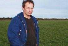 Житель карельской деревни Туксы Александр Санжаровский борется за свои права с газовиками. Фото: Черника