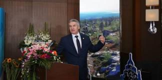Глава Карелии Артур Парфенчиков улетел в Китай на презентацию и дегустацию. Фото: facebook.com