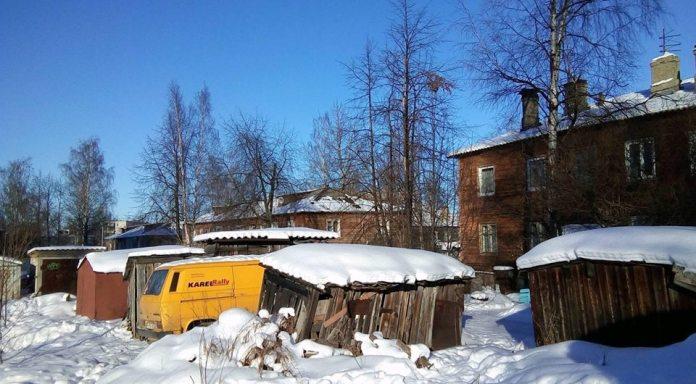 Огромная часть населения Карелии до сих пор живет в неблагоустроенных домах с печным отоплением. Фото: Валерий Поташов