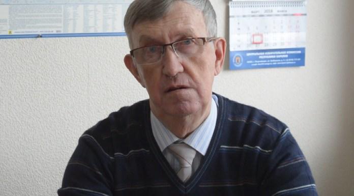 Ветеран гражданской авиации Карелии Владимир Артуков. Фото: YouTube