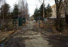 Такая картина встречает всех на подходе к Детской республиканской больнице Карелии. Фото: Татьяна Смирнова