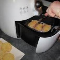 Airfryer in operation