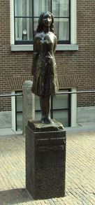 Statue Anne Frank