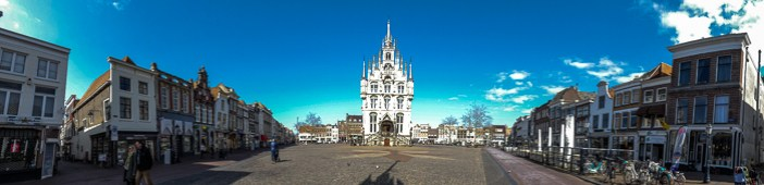 Daytrip to Gouda, Cheese, Culture and History. Visit the square around the Townhall.