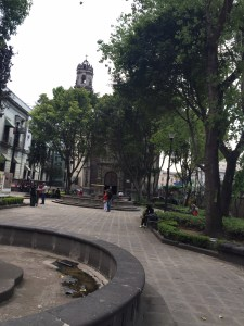 Access to the Franz Mayer Museum through the Santa Vera Cruz Plaza.