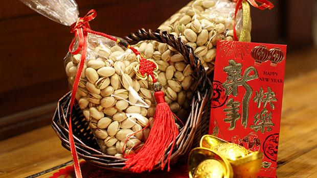 Chinese-New-Year-Gift-620x349