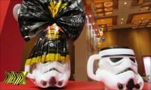 Com a proximidade da estreia do novo filme da franquia Star Wars (Nestlé), ovo traz caneca no formato de Stormtrooper ou Darth Vader. Que a Força esteja com você!