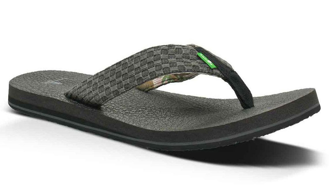 sanuk best sandals for men