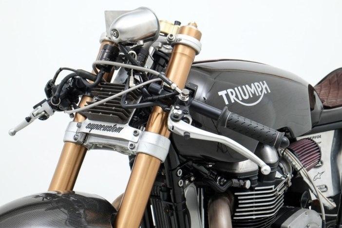 triumph-salt-racer-03