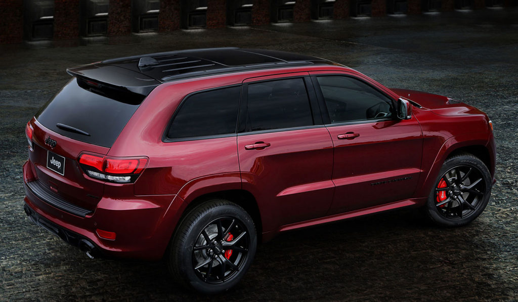 2016-Jeep-Grand-Cherokee-SRT-Night-rear-side-view-from-above