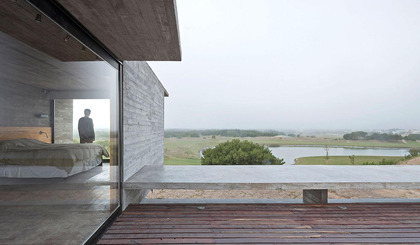 Golf-House-By-Luciano-Kruk-3