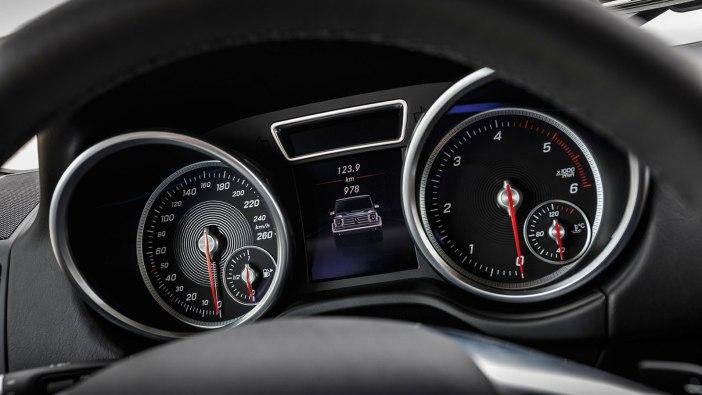 Mercedes-Benz-G-350-d-Professional-11