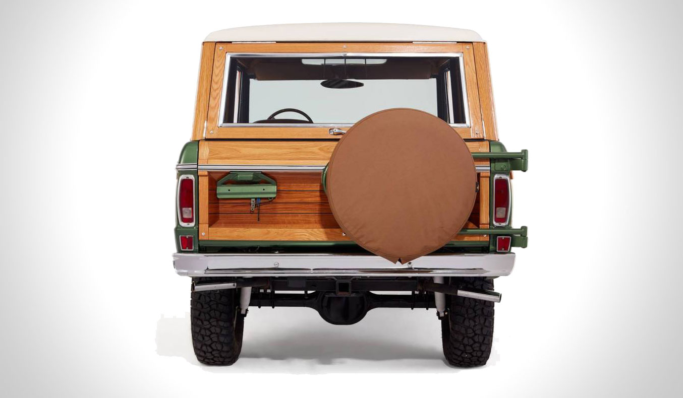 vintage-woody-ford-bronco-9