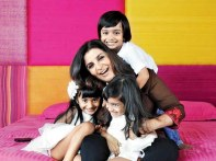 Farah Khan with her kids
