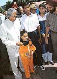 How to dress up a child as Kalpana Chawla