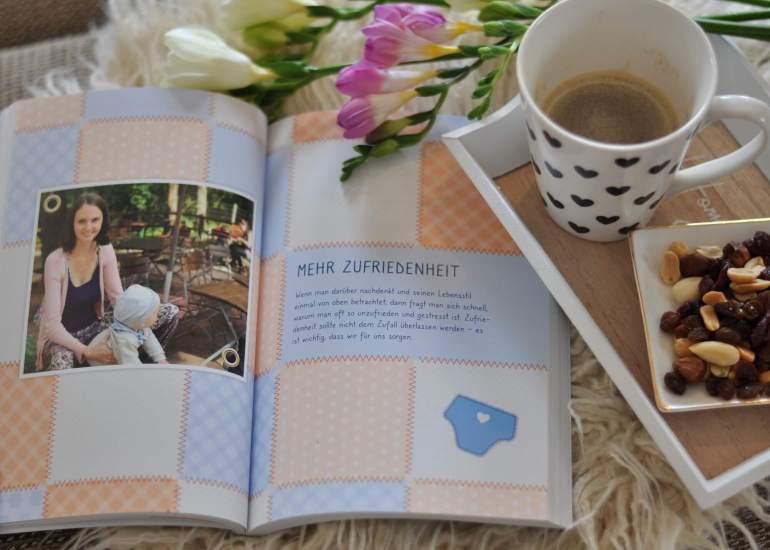 Ratgeber für frisch gebackene Mamas von Faminio-Bloggerin Nele Hillebrandt. Tipps und Ratschläge, um seinen eigenen Weg ins Familienleben zu finden. #ratgeber #mama #mutter #familie #baby #tipps #lesen #buch #entspannung